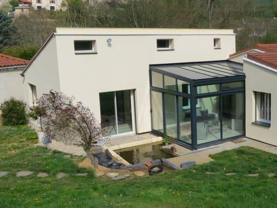 Une baie vitrée... pour accéder au jardin et gagner des calories (69670 VAUGNERAY)
