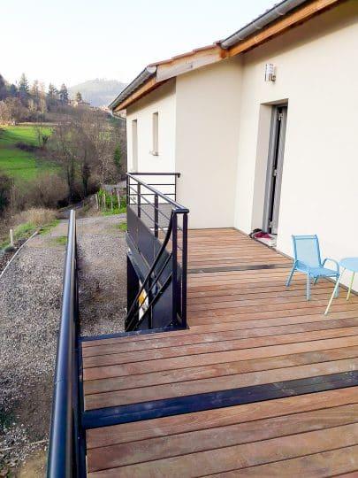 Autre vue de la terrasse extérieure